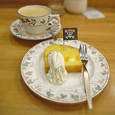 ティーハウスタカノさんでナミのみかんケーキ